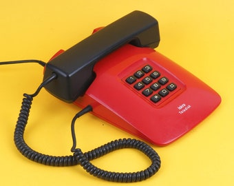 Vintage analog phone Iskra Eta Teledisk. Made in Yugoslavia. Great retro red desk analog phone for home decoration. Working! Free shipping!