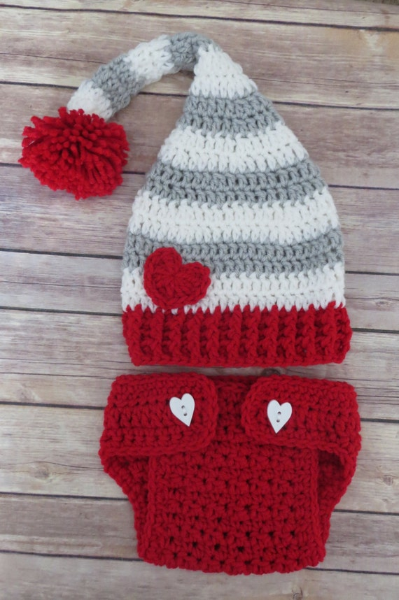 05865163d VALENTINE'S DAY PomPom Stocking Hat Diaper Cover Photo Props, Newborn  Props, Baby Shower Gift, preemie, newborn up to 6 months, Grey, Red