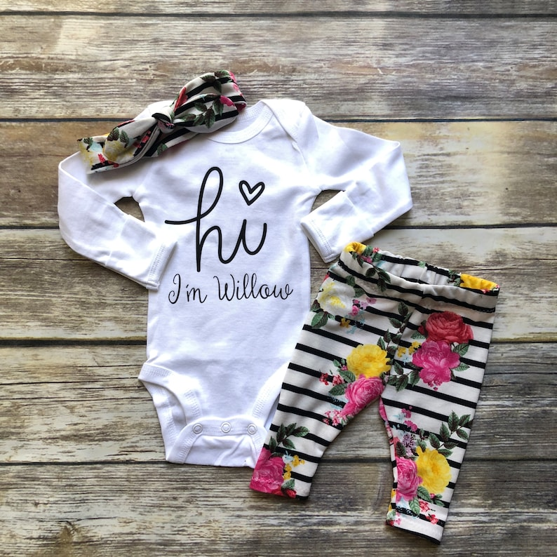 f4ffed61d Hi I m new here Baby Girl Coming Home Outfit Baby Girl