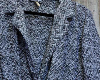 SALE! 80s Black and White Geometric Pattern V-Neck Dress