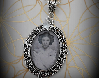 Carrie Fisher Princess Leia Necklace