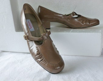 Vintage Brown Mary Jane Heels,  Pumps Size 9, by Auditions made in USA Never Worn