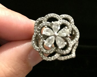 R 209 Sterling Silver Flower Ring Approx Size 5 3 4 Marked N 925 CN