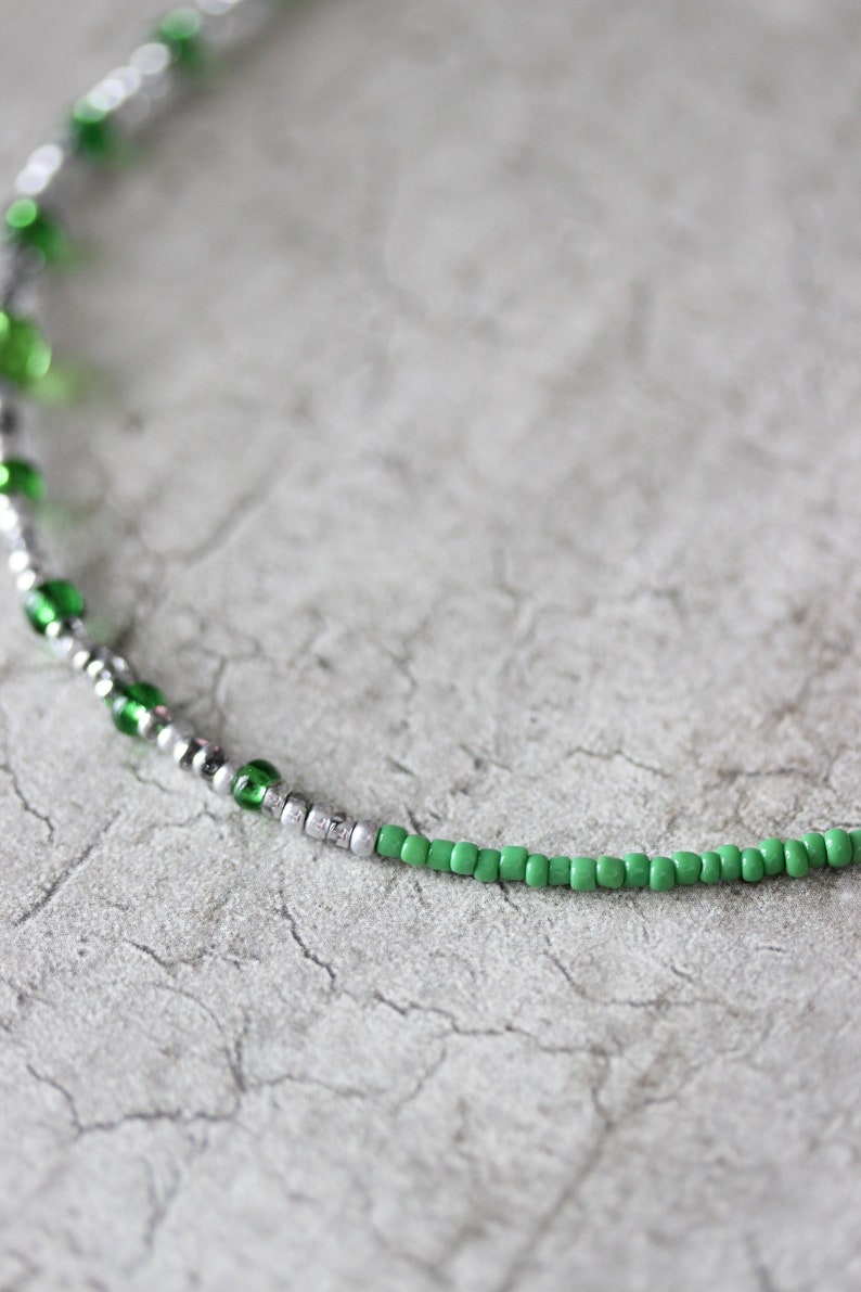Green Silver Seed Bead Choker Green Silver Necklace Dainty Choker Short Trendy Necklace Seed Bead Choker Green Beach Choker Boho Necklace
