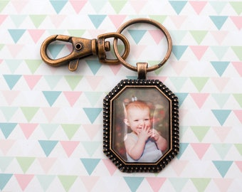 Octagon Photo Keyring - Photo Key Chain - Octagon Keychain - Personalized Key Chain - Vintage Photo Keychain - 22 x 33 mm Octagon