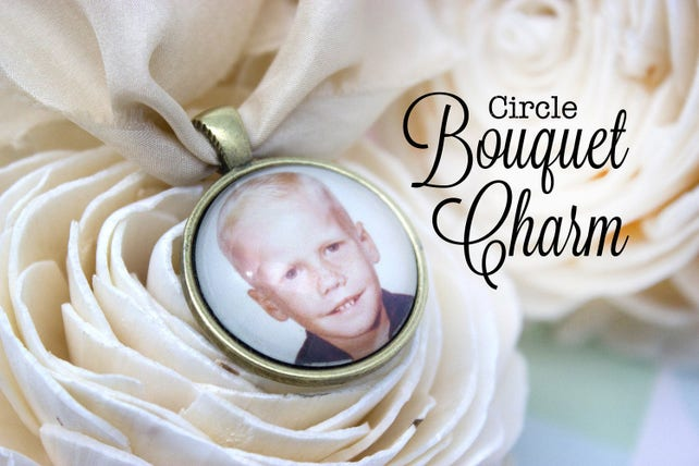 Memorial Bouquet Charm - Wedding Photo Charm - Photo Bouquet Charm - Bride Bouquet Charm - Bronze Bouquet Charm - 25 mm / 1 in Circle