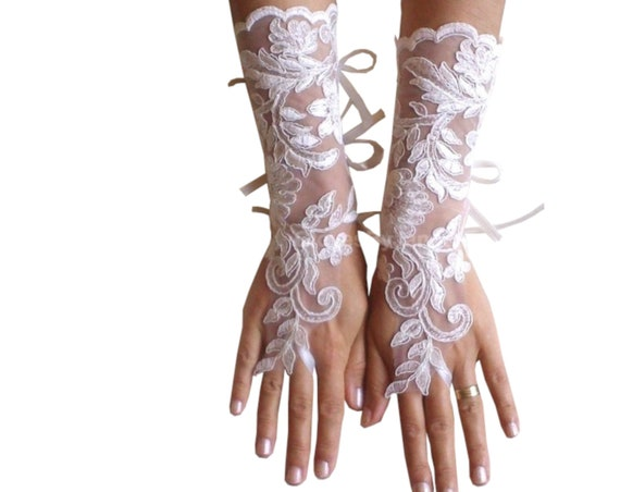 Long Ivory lace gloves, bridal gloves, lace gloves, fingerless gloves, ivory gloves, french lace gloves, long lace glove, lace mittens,
