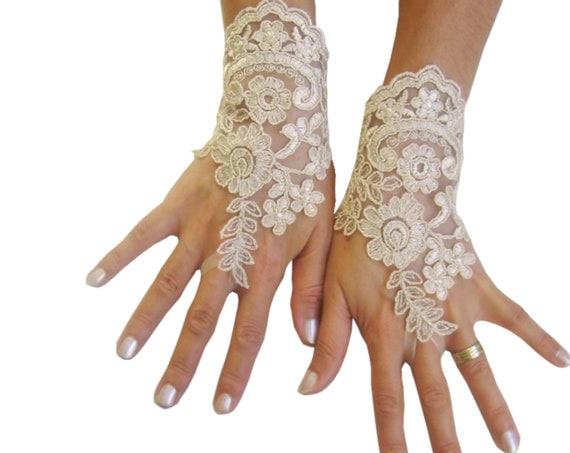 Champagne  lace gloves,  rustic wedding, gift for bride, short gloves lace, wrist cuffs lace, bridal accesories