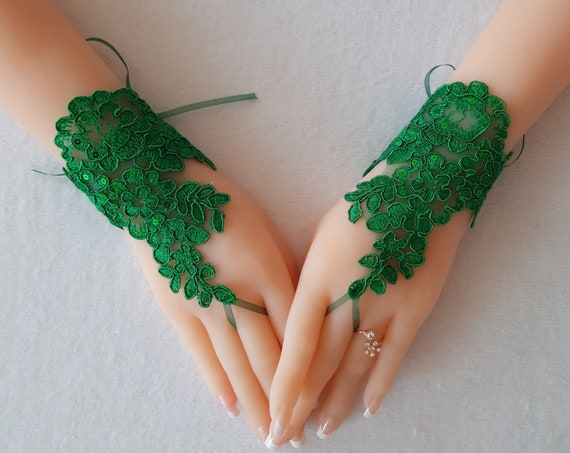 Christmas green lace gloves, fingerless gloves, prom, party, pine green, christmas wedding, christmas theme, bridal gift, yew year gift