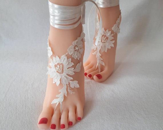 ivory beach wedding barefoot sandals, lace wedding shoes, bridal anklet, boho wedding accesory, wedding foot, foot bracelet, wedding bangle