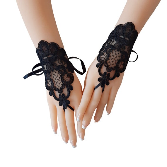 Goth gothic  Black lace gloves, fingerless lace gloves for womens, halloween costume gloves, black lace gothic gloves, halloween party