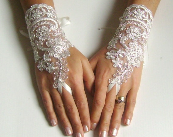 Lace bridal glove ivory glove silver cord wedding gloves for bride, bridetobe, handmade, gift woman