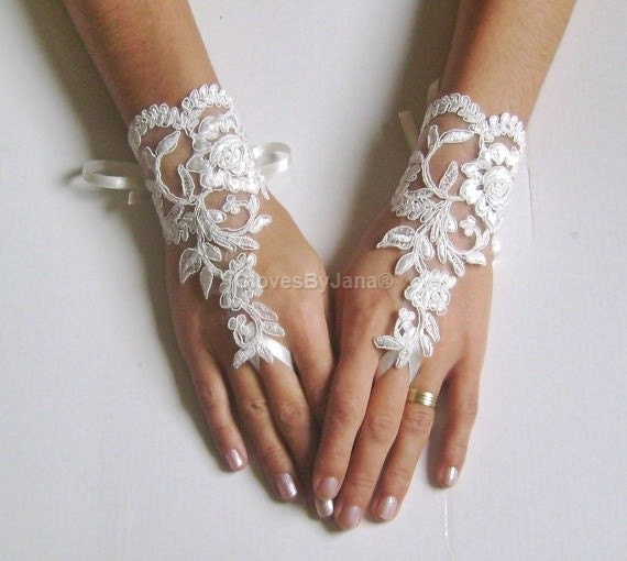ivory  Wedding Glove,lace gloves, Fingerless Glove,wedding gown, UNIQUE Bridal glove, wedding bride, bridal gloves,
