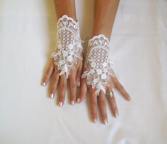 Ivory  Wedding gloves  french lace gloves bridal gloves lace gloves fingerless gloves ivory gloves  231