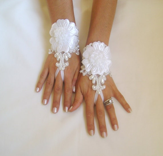 Unique Ivory and 3D white flower  Wedding gloves bridal gauntlets adorned pearls and beads french lace  220