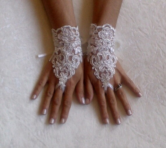 Ivory Wedding gloves bridal gloves lace gloves fingerless gloves ivory gloves guantes french lace silver frame gloves
