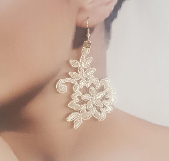 ivory Bridal earrings, jewelry, lace earrings, wedding, lace jewelry, wedding gift handmade, costume jewelry, boho, floral earrings, drop