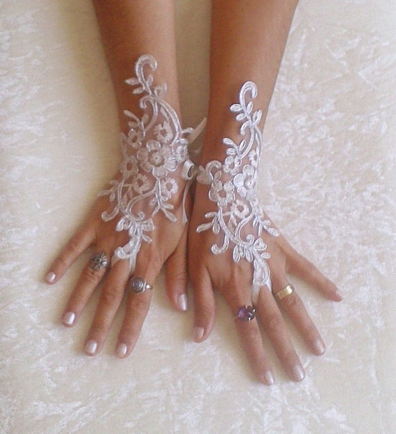 Ivory Wedding gloves bridal gloves lace gloves fingerless gloves ivory gloves guantes french lace silver frame gloves 8639W