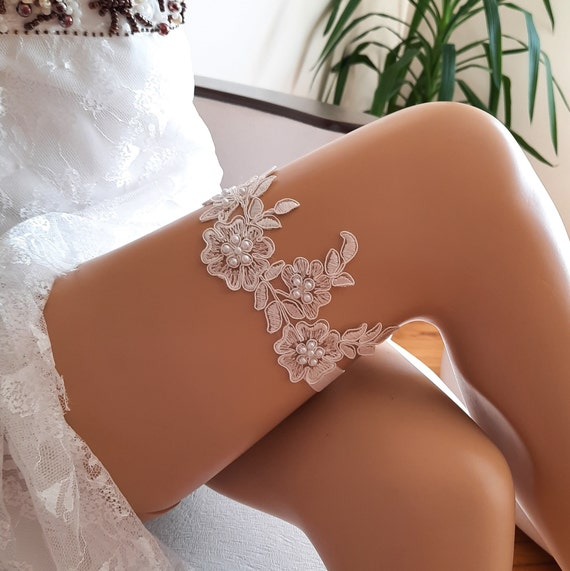 ivory garter, lace garter, bridal garter, flower garter, garter belt, garter for wedding, garter for bride, garter belt