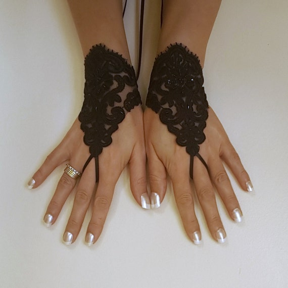 Glove Goth Wedding Gloves, Black Lace gloves, Fingerless Gloves, off cuffs, cuff wedding, bride, bridal gloves, cuffs