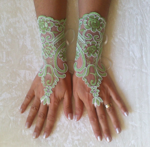 Ivory or Peridot green ivory frame Wedding Gloves, lace gloves, Fingerless Glove, wedding gown, unique Bridal glove,  bridal gloves