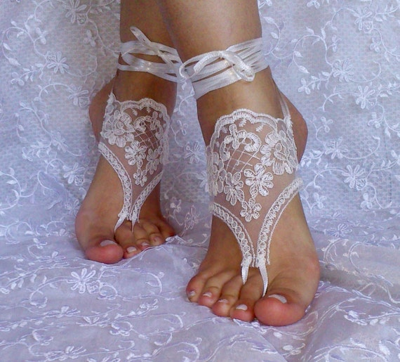 ivory lace barefoot sandals, bangle, wedding anklet, anklet, bridal, wedding