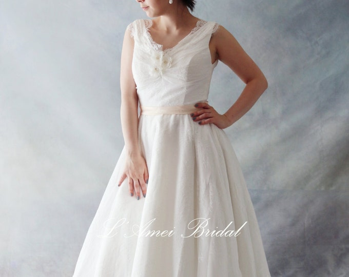 Vintage Style Tea Length V neck Lace Wedding Dress Featuring Off Shoulder Cap Sleeves - AM1235821