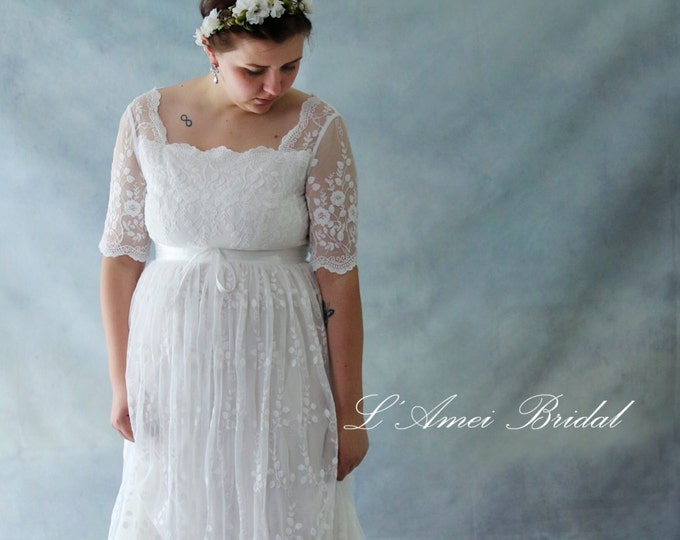 CLEARANCE - Retro Design Embroidered Long Sleeve Ivory Lace Bridal Wedding Dress Gown. Perfect For Woodland or Beach Wedding