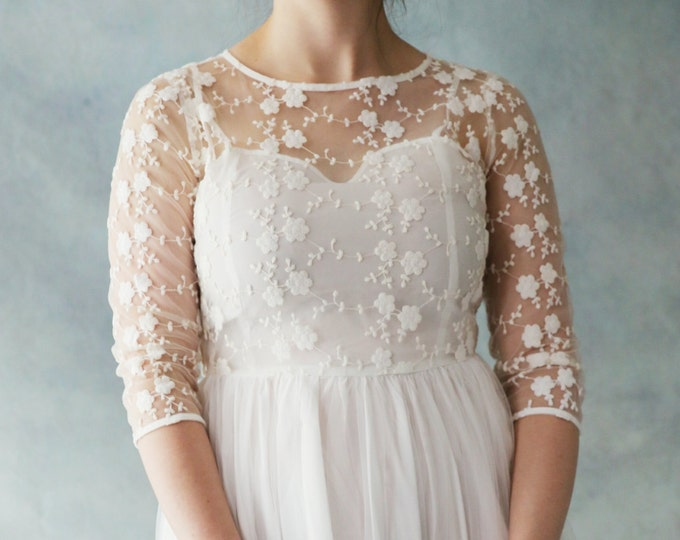 CLEARANCE - Affordable and Elegant Boho Vintage Long Sleeve scoop neckline lace Wedding Bridal Dress with A-Line Silk Chiffon skirt