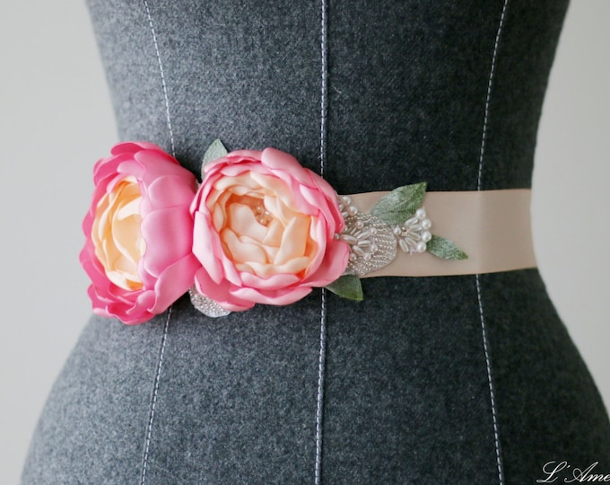 Blush Pink Wedding Sash -Soft pink flower Bridal Sash, Bridesmaid Sash,Big day sash, Bridal Party, Flower wedding belt