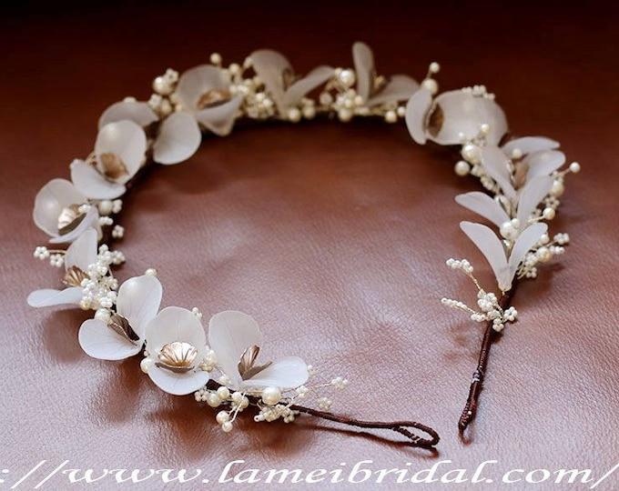 Vintage Style Floral Crown Tiara, Ivory white  Flower head Wreath, Bridal Hair Accessories, Flower crown ,woodland wedding crown