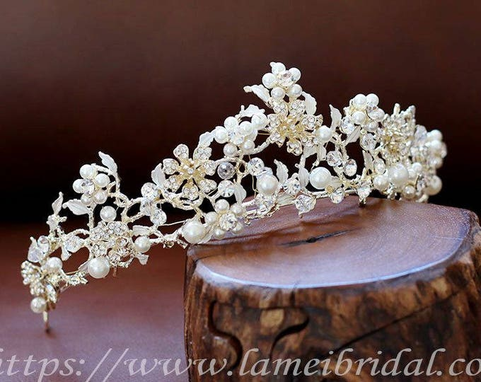 Golden Goddess Wedding pearl Crown, Bridal  Circlet headpiece with Golden Leaves and Small pearl Flowers, Gold and white Flower Bridal crown