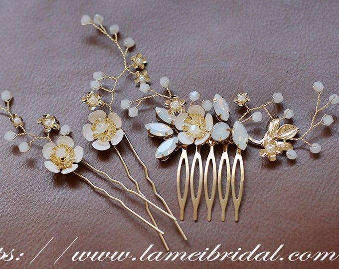 Small Handmade Golden Flower Hair Pin,Bridal hair pins, bridesmaid hair pins, leaf hair pins, pearl hair pins,  gold hair pins, Sey of 3