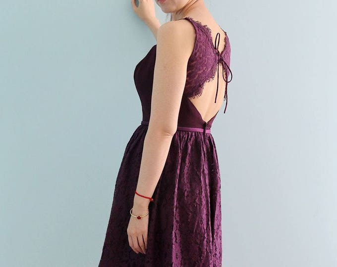 Amazing Knee Length Dipper Neckline Lace Wedding Party Prom Dress with Spaghetti Straps and Keyhole Back in Purple