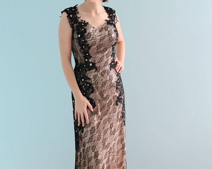 Elegant Gorgeous Gothic Black Lace Floor Length V-Neck Modified A-Line Wedding Dress with Court Train