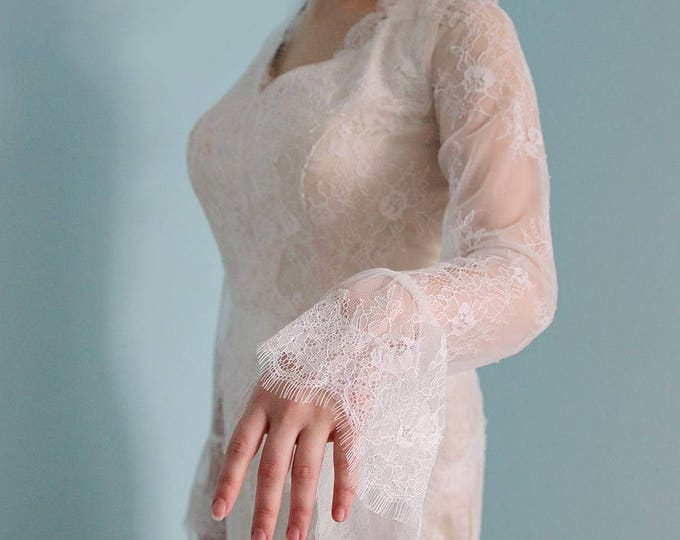 Sexy Floor length  Fitted Long-Sleeved Soft Lace Wedding Dress with Champagne Liner V-neck With Chapel Train and Detachable Lace Royal Train