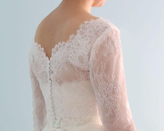 Long Sleeve Modern Bride Ivory White Lace Wedding Bridal Bolero with V Neck and button Back,3/4 sleeve lace wedding top