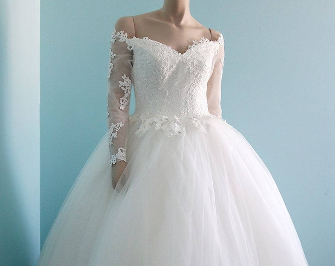 Beautiful Flower Off Shoulder Long sleeve  Floor Length Princess Ball Gown Wedding Dress with Sheer Low Back