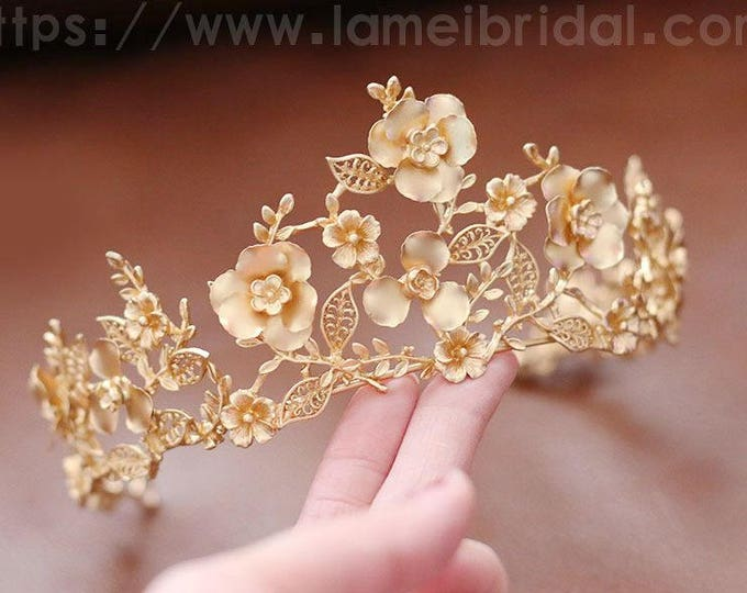 Woodland Princess Gold Wedding hair crown , Gold leaf Crown , Gold bridal Tiara , Wedding crown, Gothic Tiara, Leaf Headband, Greek Crown