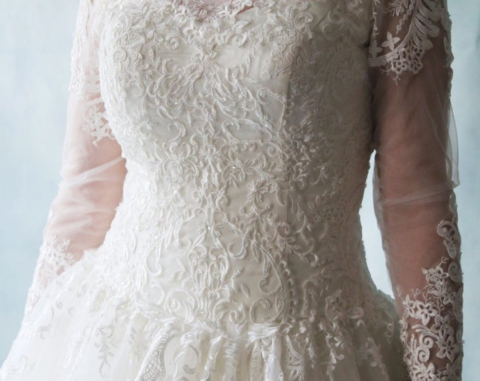 Custom Made Queen Style Long Sleeve illusion neckline Lace wedding dress, ivory bridal Ball Gown with Bling- LA10150021
