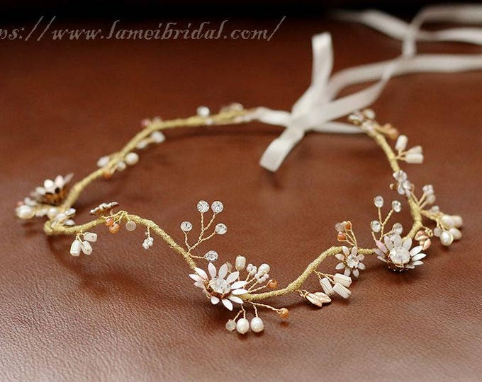 Gold Leaf hair vine for bride to be. Boho head band. Bride head accessory. Bridal Pearl headpiece. Gold wedding hair vine