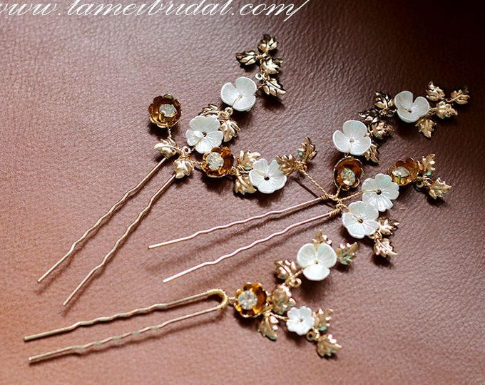 Small Handmade Golden Flower Hair Pin,Bridal hair pins, bridesmaid hair pins, leaf hair pins, pearl hair pins,  gold hair pins, Sey of 3