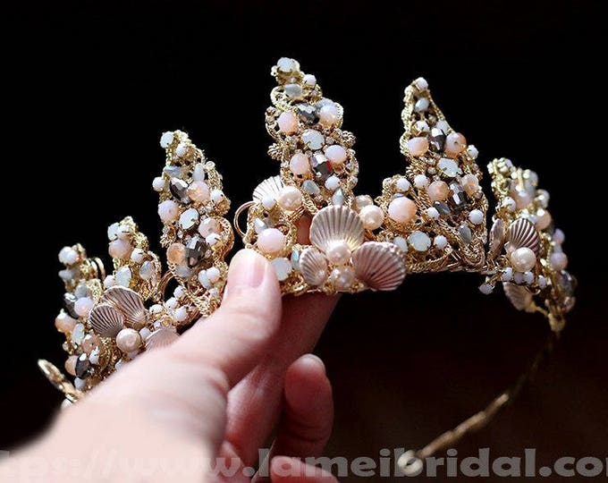 Oceanside Gold Seashell Hairpiece Bridal Accessory Wedding Hairpiece with Crystal Shell hair vine,Beach wedding headband,Gold seashell crown