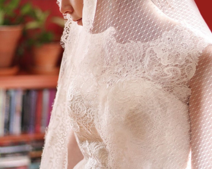 Long soft Lace Cathedral Mantilla Briadl Wedding Veil. Soft lace and Mesh tulle wedding veil, bridal Headpiece