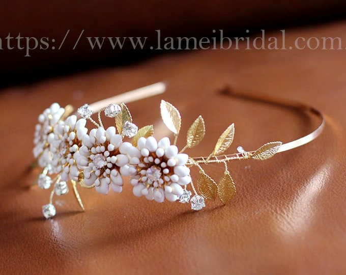 White Flower headband, Gold Wedding Crown ,bridal Circlet Tiaras, Flower Bridal headband ,Ivory white flower Tiara ,Gold leaf headband