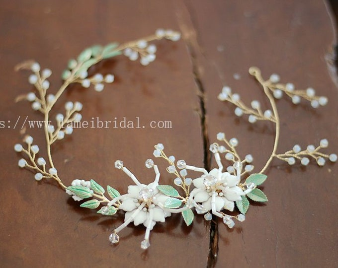 Forest Princess white Flower wedding Headband,Floral Bridal Circlet Wild Flower Wedding hair vine ,white flower Headpiece with green leaf