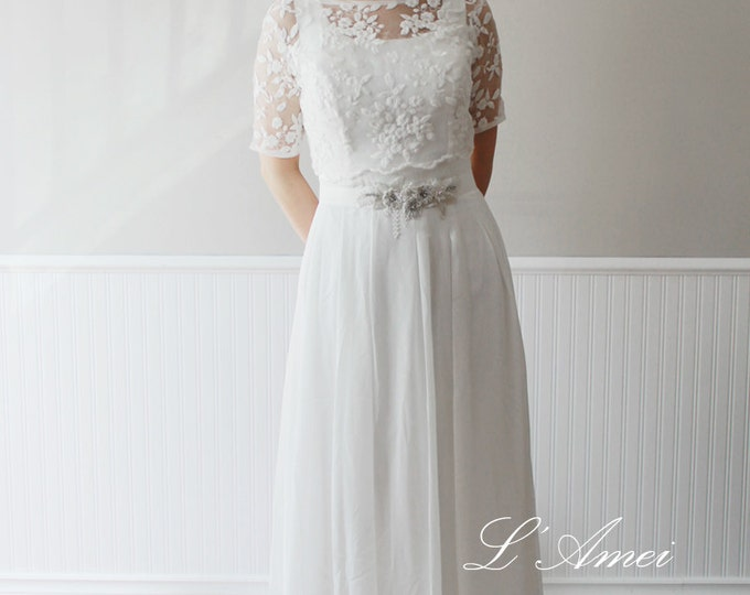 Exquisite1970's Paris Inspired Ivory White Vintage-Style Wedding Dress with Short-Sleeved Embroidered Lace Bolero