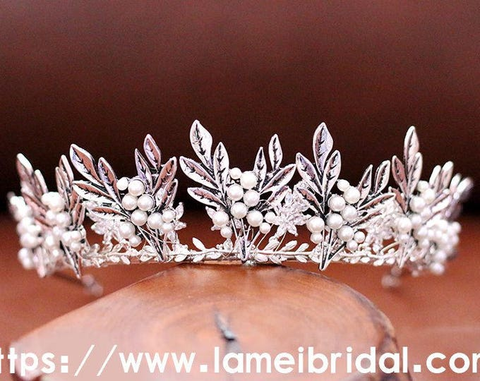 Silver white beaded crown, Small beads bridal head piece, silver bridal crown tiara, Gothic style Bridal Headpiece, Leaf Bridal Headband