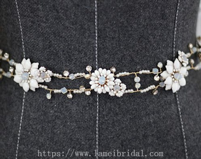 Hand made Rhinestone Crystal Bridal Wedding dress sash ,bridal sash belt  with Silver Color Leaves and crystal flower, Silver Leaf belt