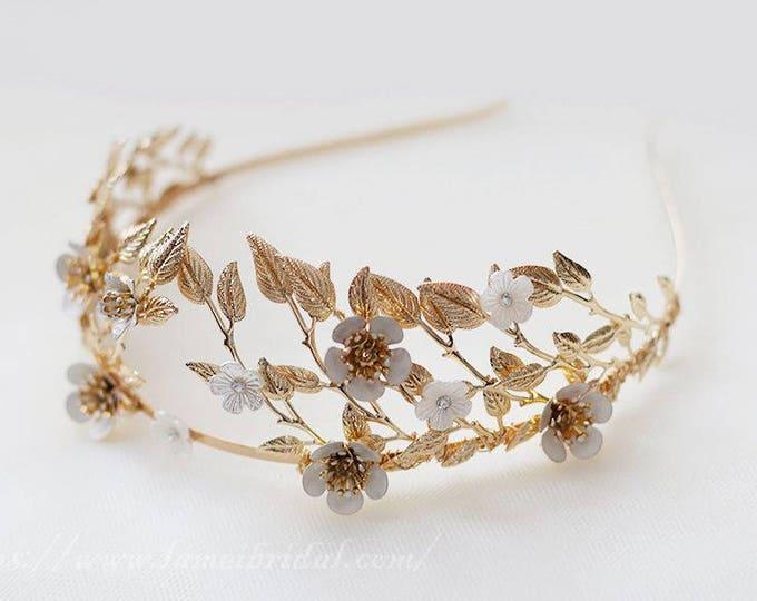 Woodland Queen Gold Flower Wedding Bridal Tiara,wedding Headpiece with gold leaf ,Bridal leaf crown ,Bridal headpiece - Greek hair accessory